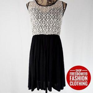 Trac   Oval Lace Layered Bodice Midi Dress (XL)